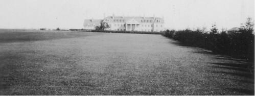 Round Hill lawn 4