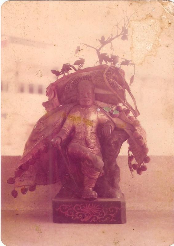 Datuk Haji Keramat (Lian He Temple, Klang) made by idol maker's father from clay