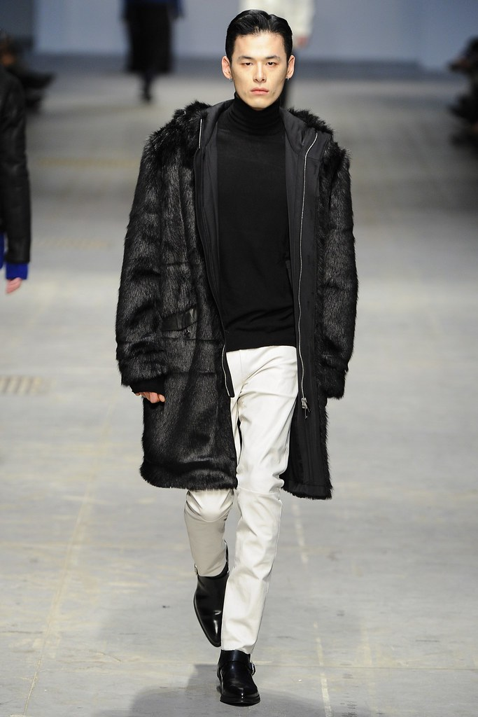 FW14 Milan Costume National023_Kim Won(VOGUE)