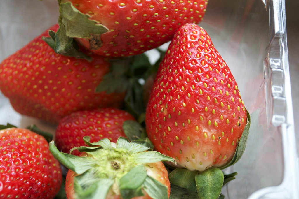 strawberries/things with seeds