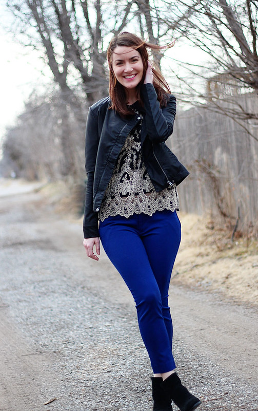 blue-pants-black-booties-lace-shirt3
