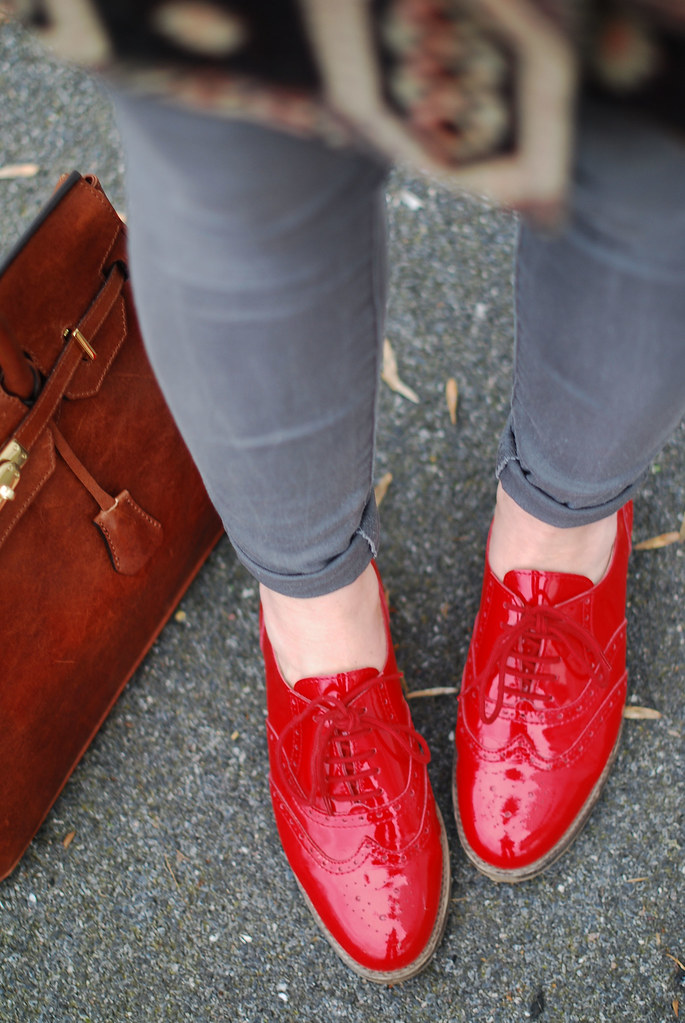 Red brogues, grey skinnies