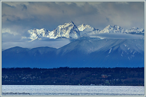 sky mountains clouds canon spectacular eos washington scenery natural olympicpeninsula telephoto 7d whidbeyisland pacificnorthwest pugetsound washingtonstate olympicmountains fused admiraltyinlet islandcounty mutinybay oes7d scottsmithson scottelliottsmithson moutainsandsky