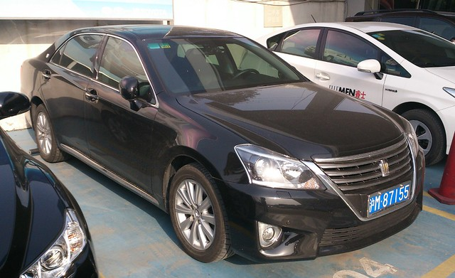 Toyota Crown S200 facelift China 2013-03-04