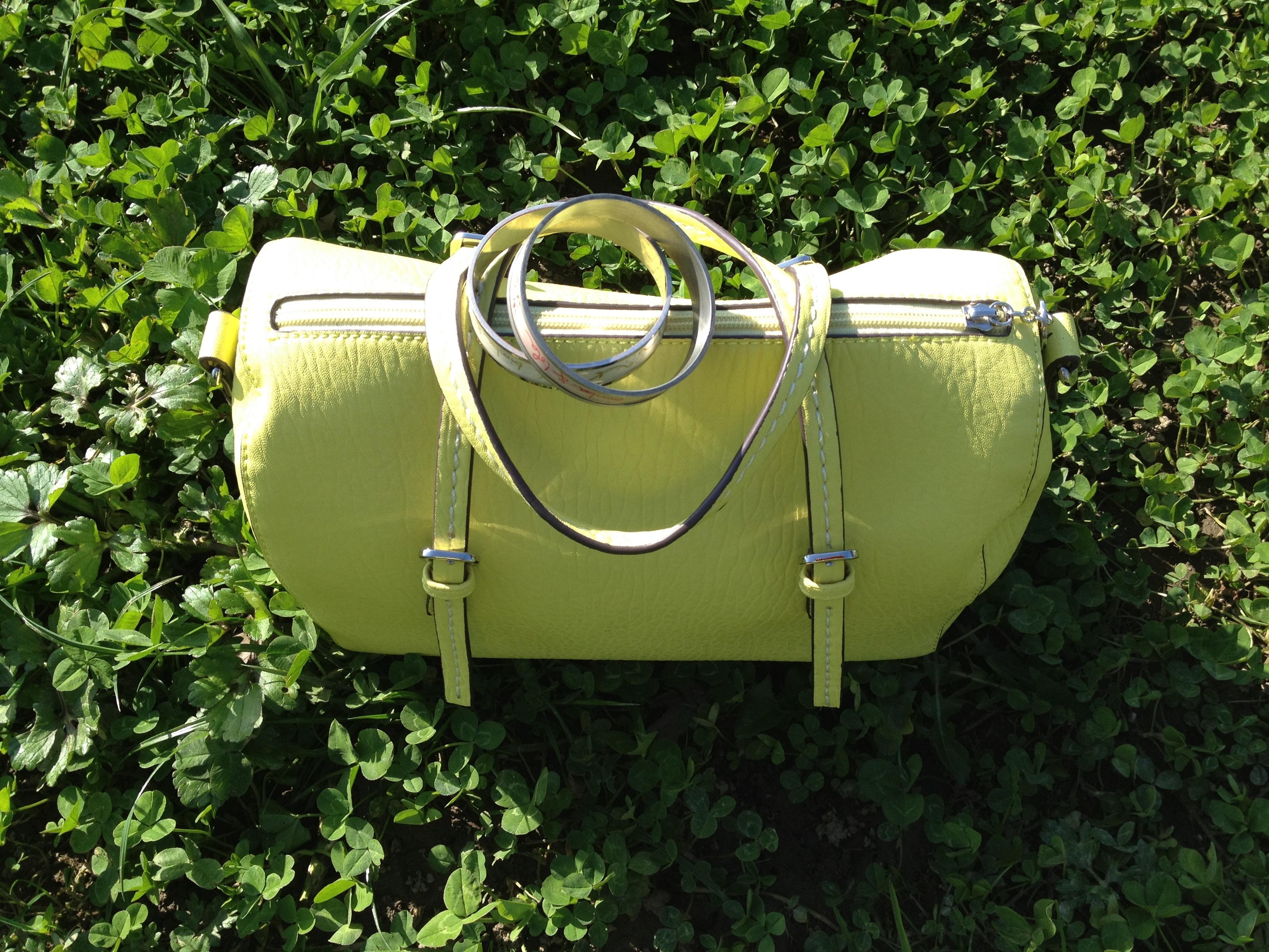 foto bolso amarillo