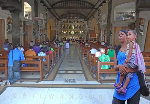 travel girls baby women basilica philippines mother solo cebu minor niño santo pinoy visayas bilwander phiιippines phiιlipines