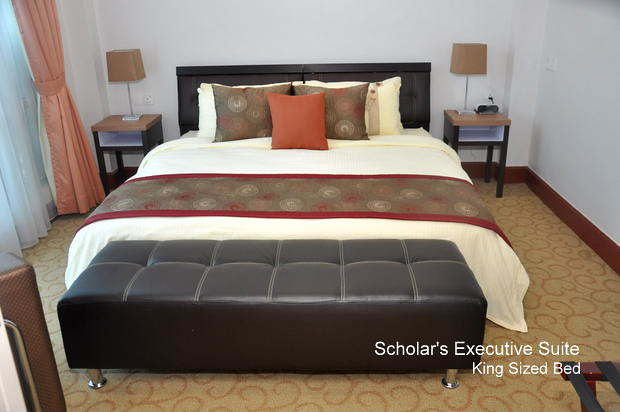 Scholar's Executive Suite King Size Bed
