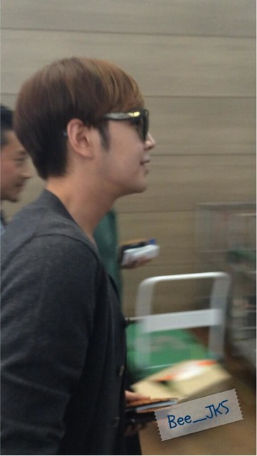 [Pics] JKS departs from Seoul to Beijing_20140425 14016128881_f756634936_z