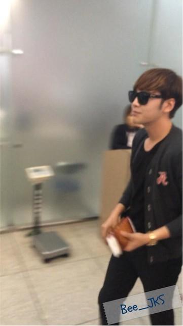 [Pics] JKS departs from Seoul to Beijing_20140425 14019780224_f06dda93f9_z