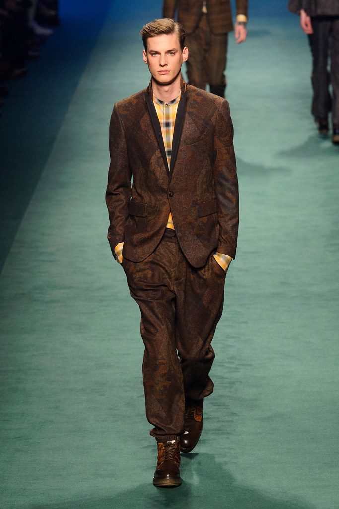 Tim Meiresone3155_FW15 Milan Etro(fashionising.com)
