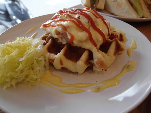 燻雞起司鬆餅 (NTD$100)@內湖港墘 Waffle Please比利時列日鬆餅