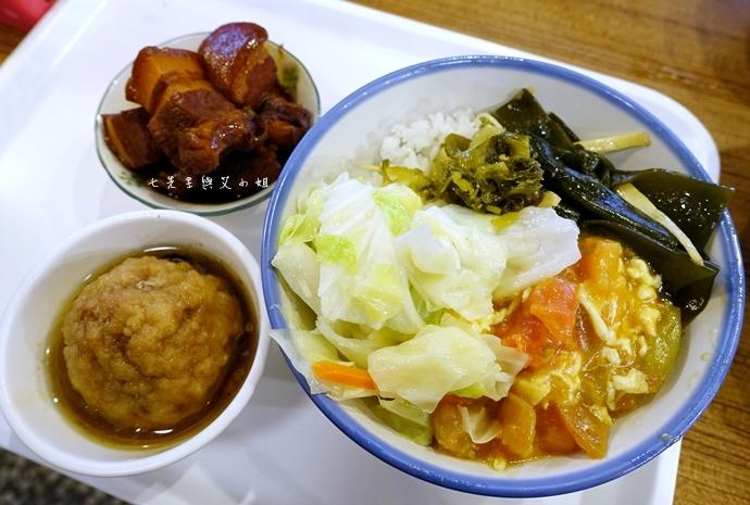 13 板橋古早味美食成昌食堂排骨飯獅子頭飯焢肉飯