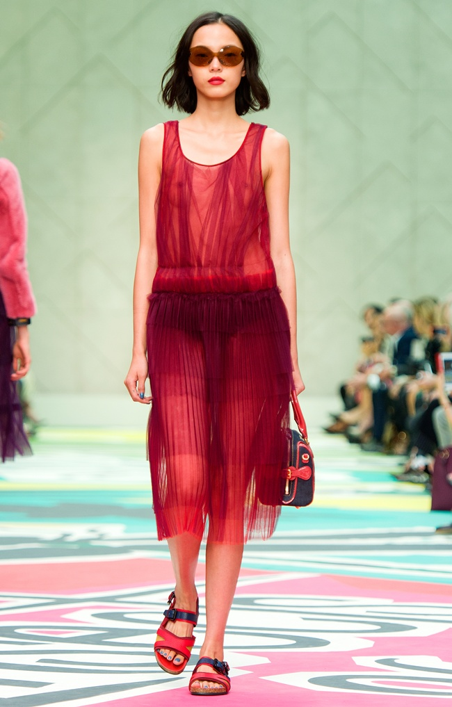 1 Burberry Prorsum Womenswear Spring Summer 2015