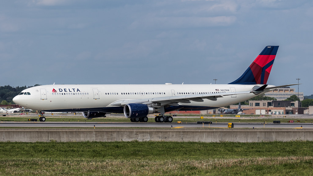 N827NW - A333 - Delta Air Lines