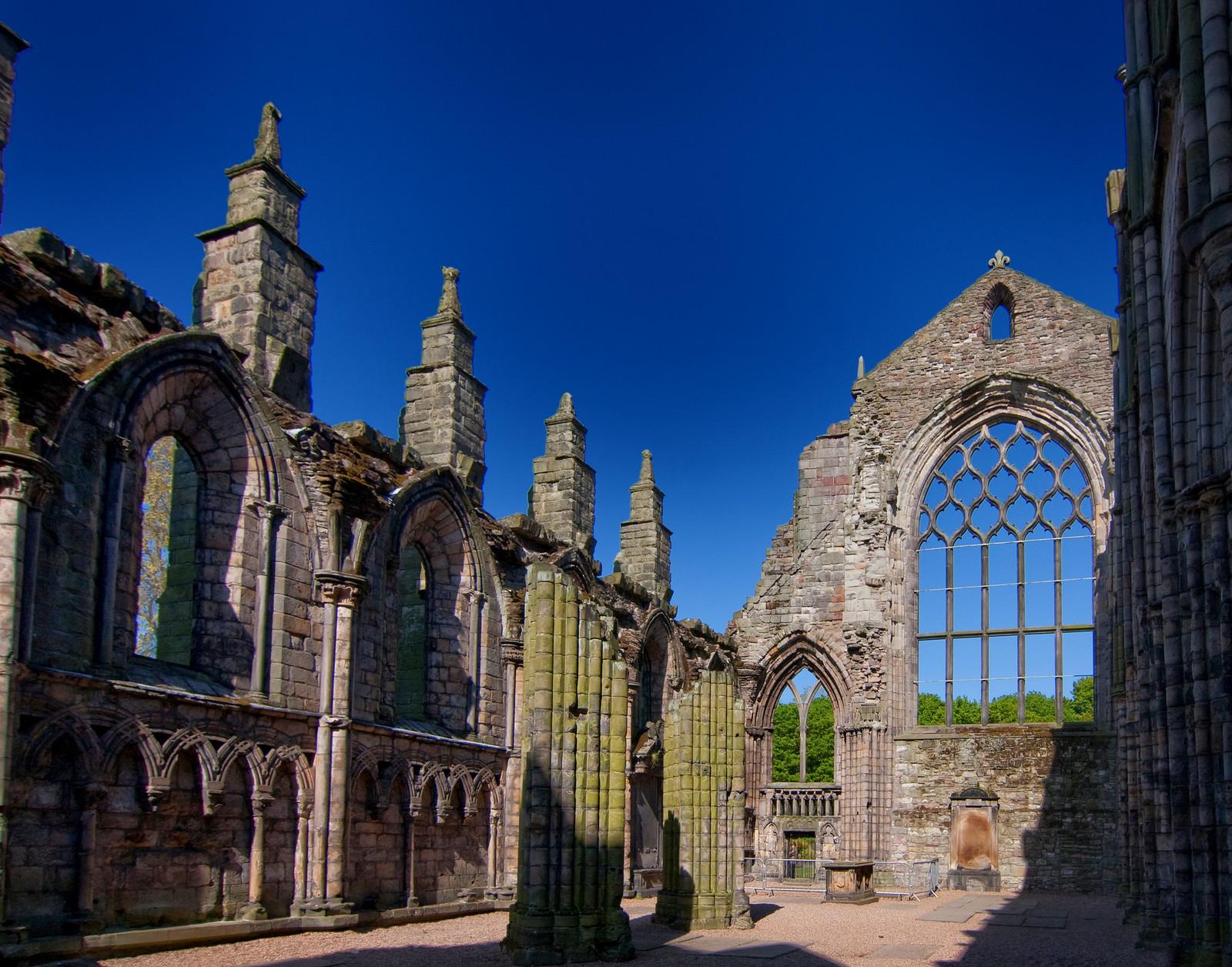 Holyrood Abbey. Credit Brian Holsclaw