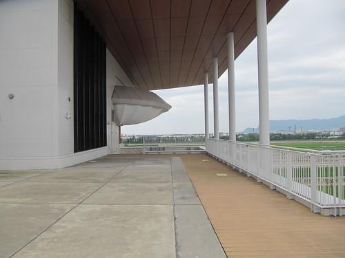 函館競馬場の展望デッキ