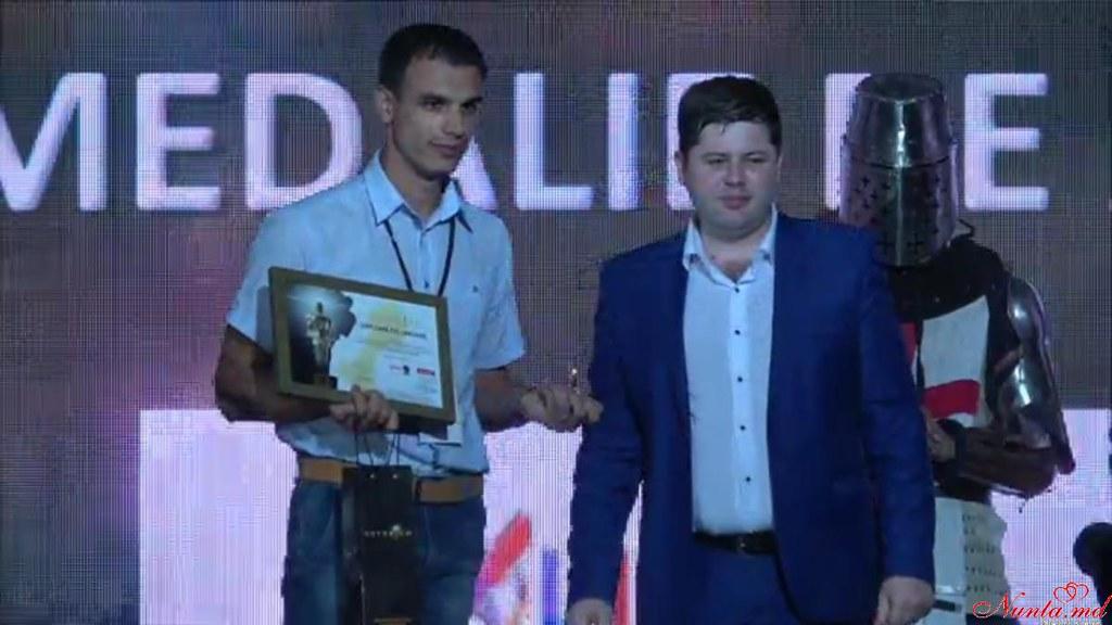 COLIBRI > Compania Colibri a obţinut medalia de aur NOTORIUM 2016 printre mărcile comerciale recunoscute de public!