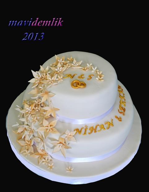 nişan pastası çiçekli