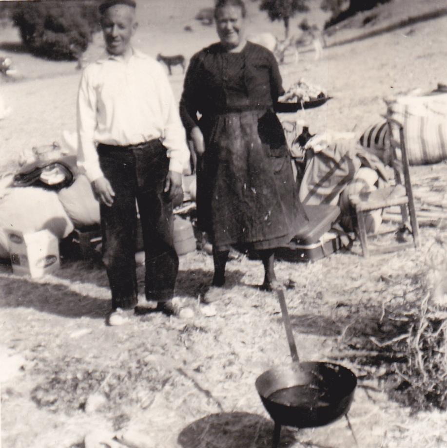 Preparando las gachas en el hato del rastrojo. Autor, José serrano