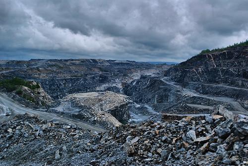 rock gold nikon mine sweden mining openpit goldmine d60 openpitmine skelleftea björkdal björkdalmine