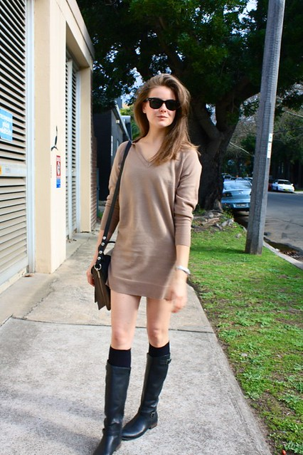 sweater dress b