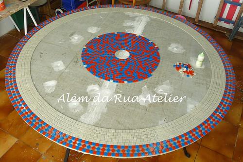 Mesa de mosaico colorida