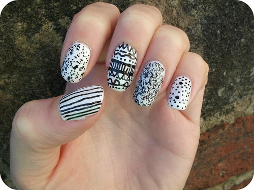 NOTD Black & White Nail Art