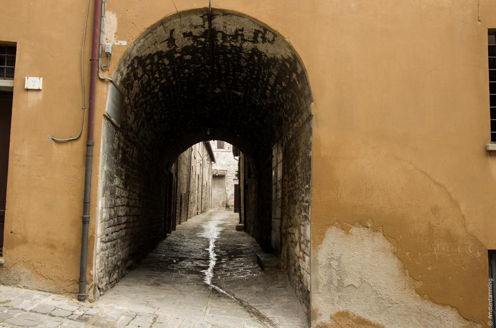 Italy, Passage in Gubbio