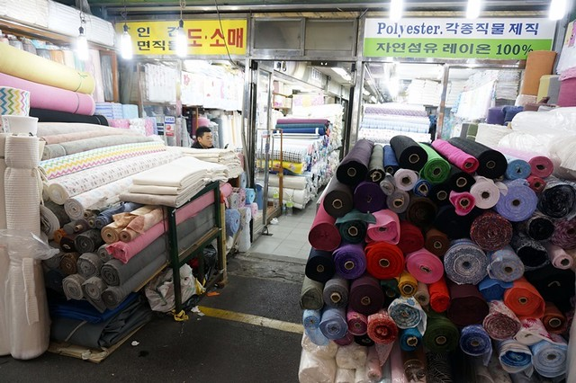 Gwangjang Traditional Market in Korea - rebeccasaw blog-014