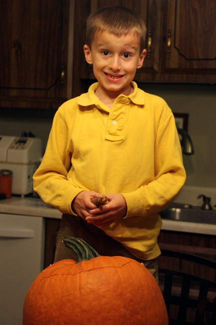 Nat-and-his-pumpkin