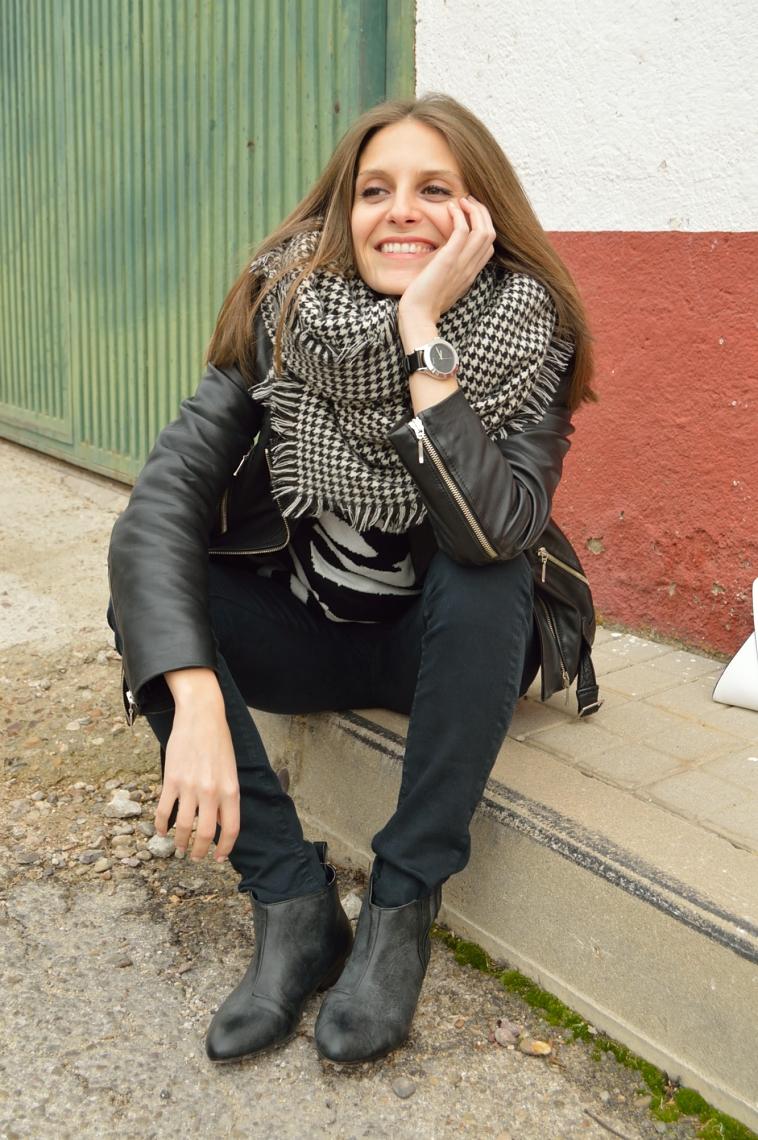 lara-vazquez-madlula-blog-fashion-black-outfit-streetstyle-winter