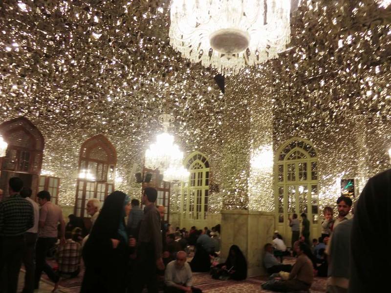 162 Interior de la mezquita de Iman Reza en Masshad. Foto de Majid Kharinkani (22)
