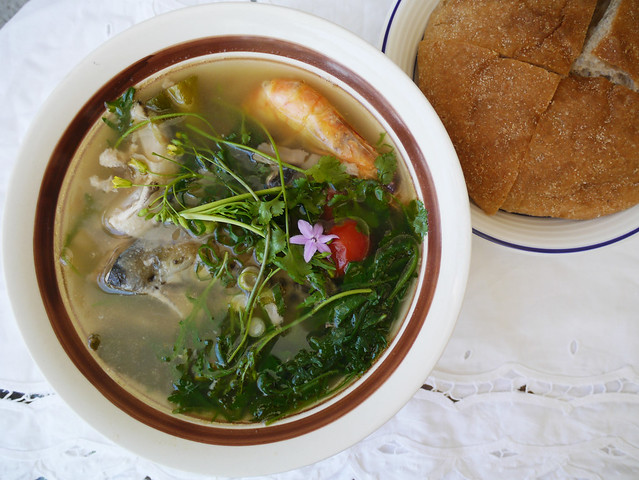 How to make tom hua pa - Lao fish head soup #12
