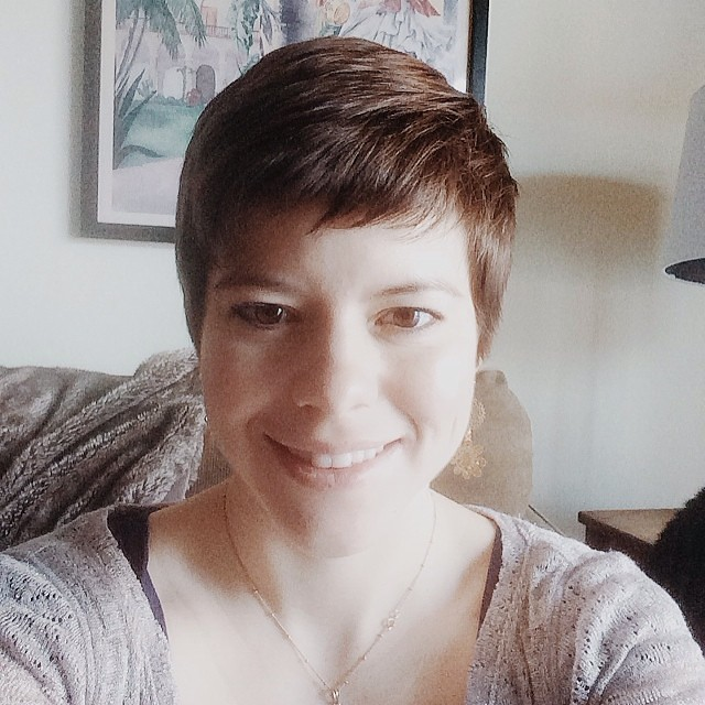 Tis February, the time of the year where I chop off all my hair.  #haircut #pixiecut