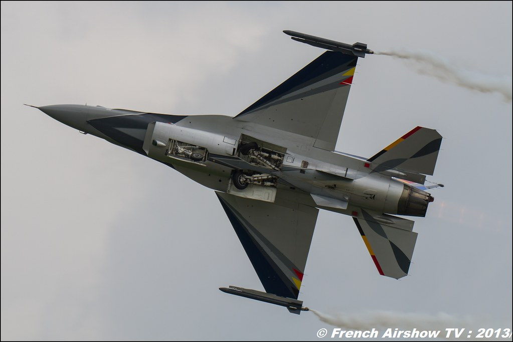 F-16 Solo Display Belge at AIRPOWER 2013