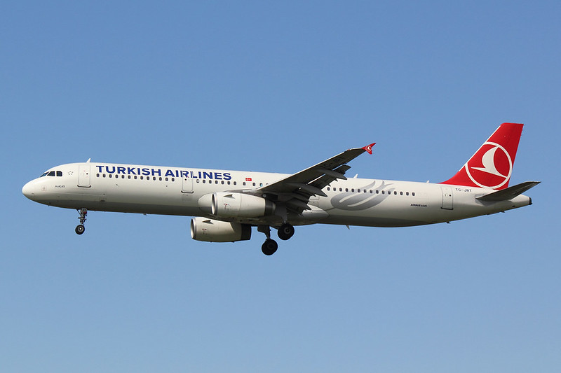 Turkish Airlines - A321 - TC-JRT (1)