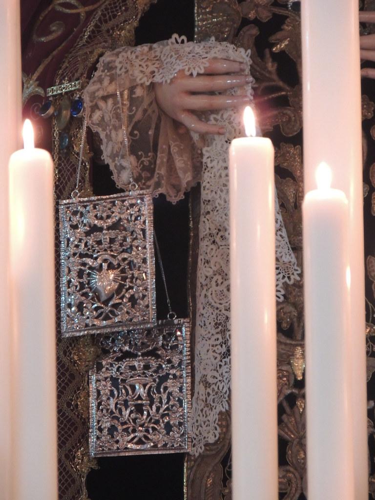 Escapulario para la Virgen de los Dolores de Huelva
