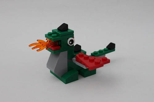 LEGO May 2014 Mini Monthly Build - Dragon (40098)