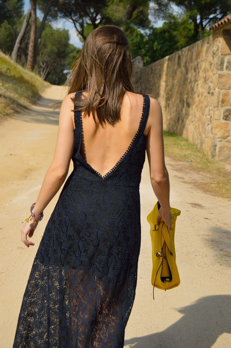 lara-vazquez-madlula-blog-fashion-long-lace-dress-back