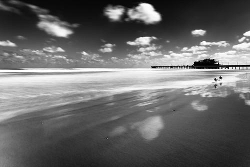 ocean blue sea bw white black beach clouds landscape big long exposure tripod filter nd 20mm f18 stopper