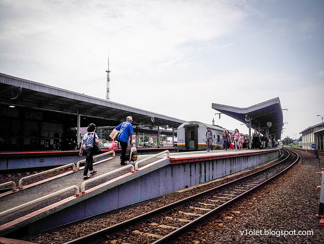 Cirebon Stasiun4-091501rw