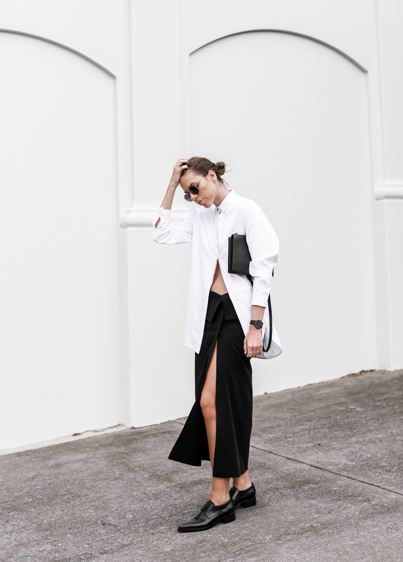MODERN LEGACY fashion blog street style black and white oversized shirt Dion Lee split midi skirt Stella Mccartney Frankie loafers workwear (1 of 1)