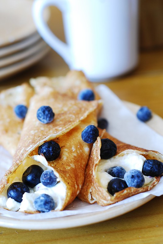 Crepes With Berries And Ricotta Recipe — Dishmaps