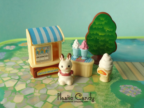Mini ice cream stand