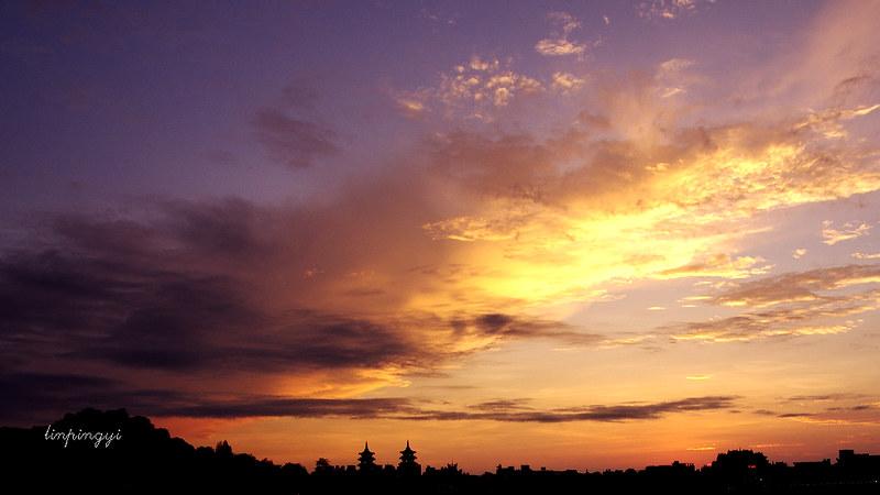 這週末追著夕陽走 。 蚵寮、蓮潭之夕