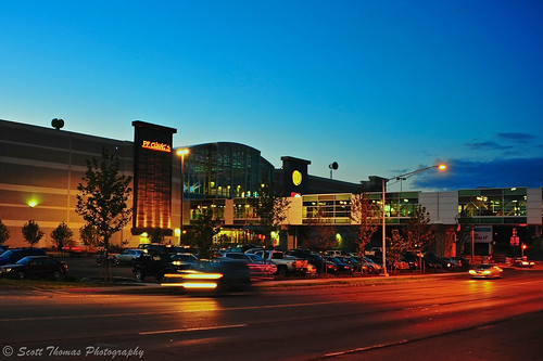 street city longexposure summer sky signs newyork motion blur building cars mall shopping lights evening nikon central cny syracuse bluehour lightstreaks creekwalk destinyusa onondagacounty d700 scottthomasphotography afsnikkor28300mmf3556gedvr