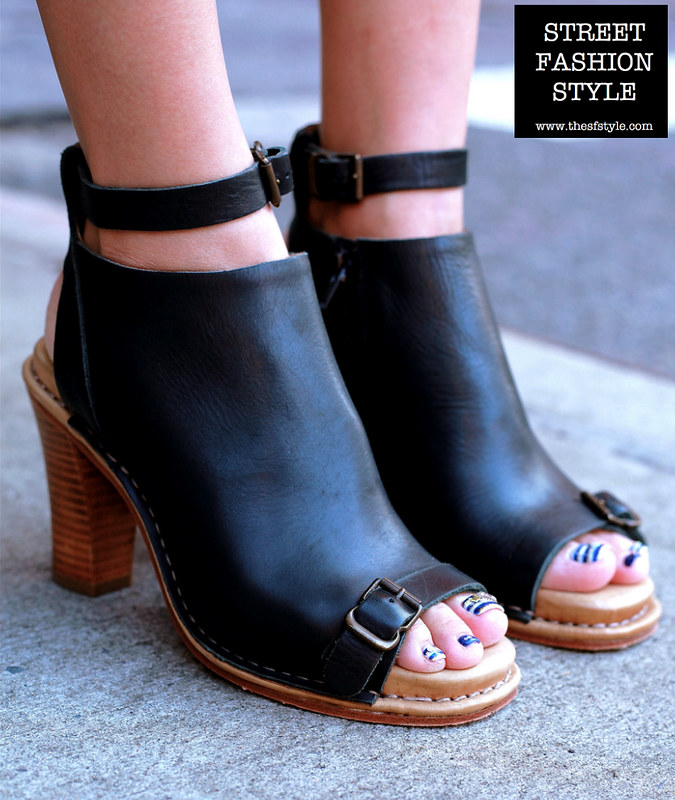 open toe bootie, striped pedicure, new york fashion blog, thesfstyle, sfstyle, STREETFASHIONSTYLE,