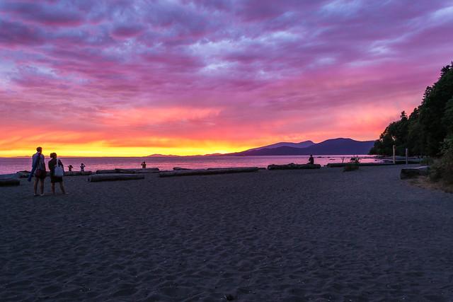 Wreck_Beach_Vancouver_02