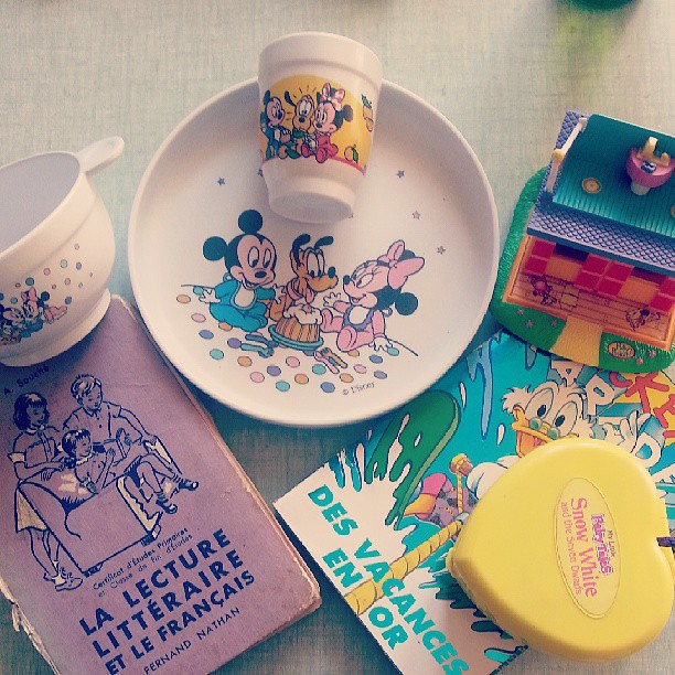 Aujourd'hui on a chiné quelques bricoles.  #vintage #vintagetoys #brocante #chinage #videgrenier #disney #pollypocket #lanvollon #bretagne #paimpol #bzh #france #blog #blogueuse #vacances #ourlittlefamily