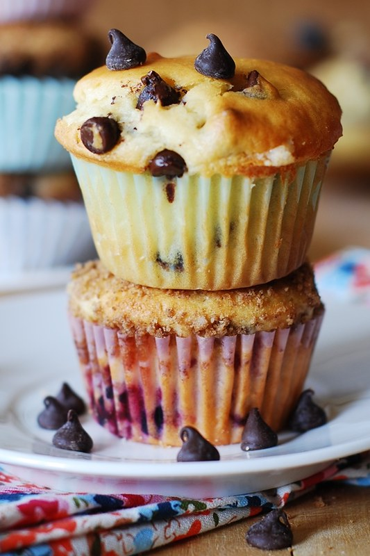 Greek yogurt chocolate chip muffins, breakfast muffins, dessert muffins, light muffins, healthy muffins